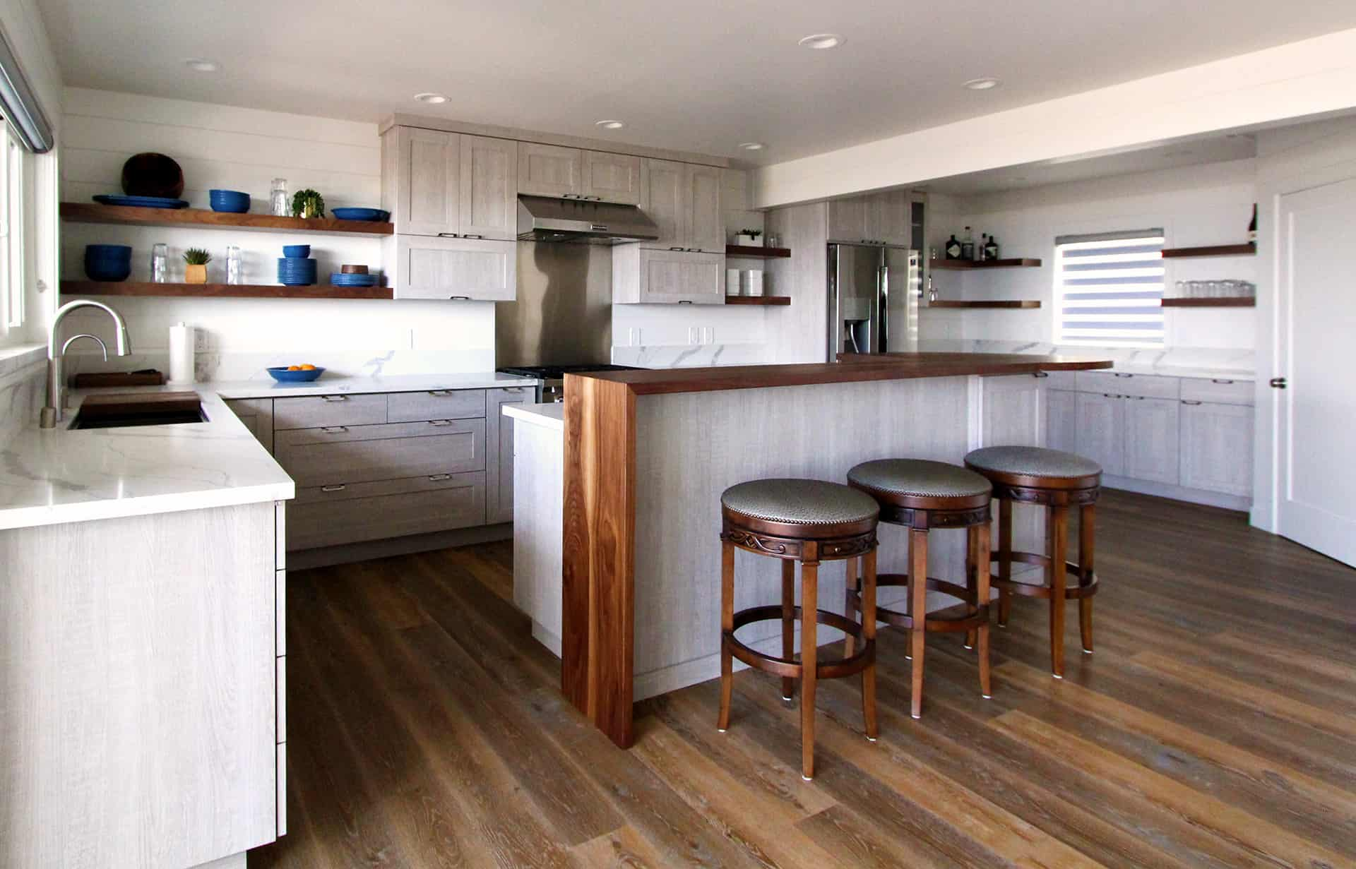 Beautiful kitchen renovation in beach house